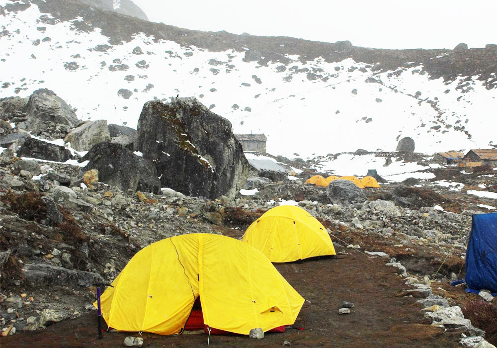 mera peak climb in tent camp