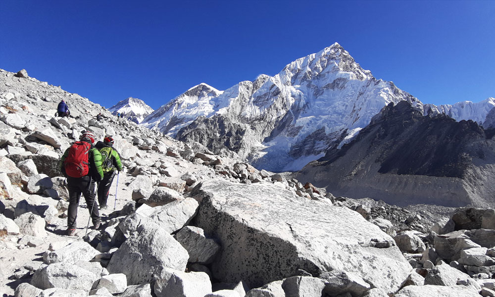 Everest base camp trekking trail
