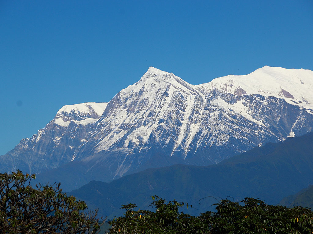 poon hill vs annapurna base camp trek